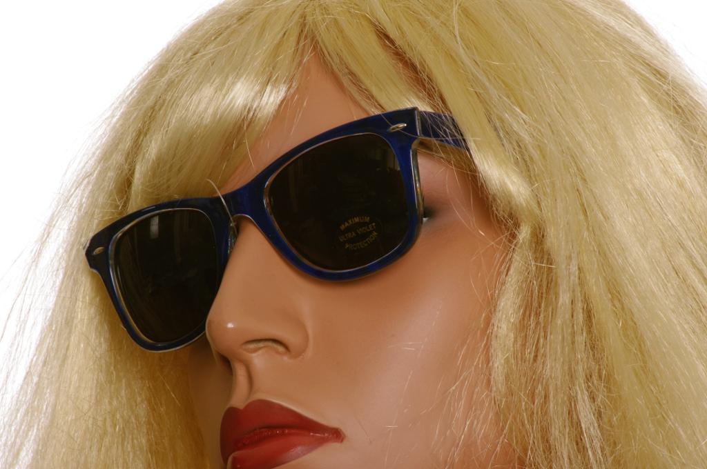 SunglassesBlue.jpg